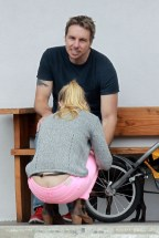 kristen_bell_butt_crack_while_taking_a_bike_ride_in_la_hq_01